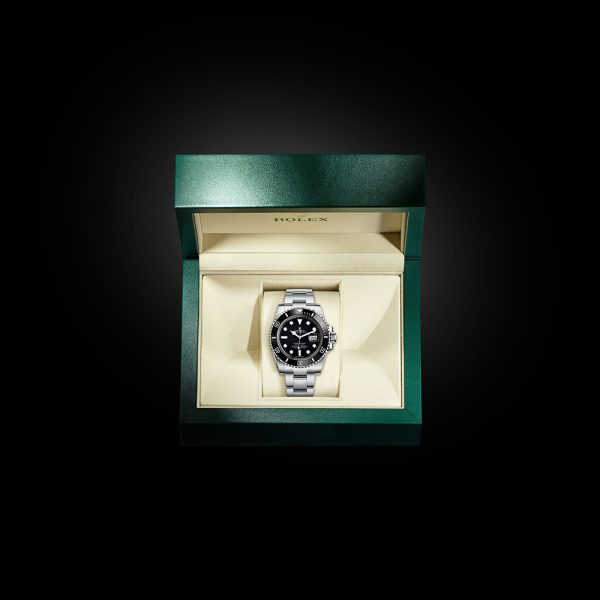 ROLEX OYSTER PERPETUAL Submariner Date Oyster, 40 mm, Oystersteel M116610LN-0001
